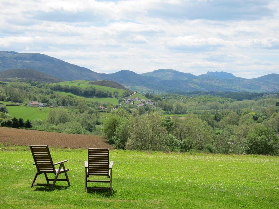 バスクの風景(オーベルジュ・バスクのガーデンより)