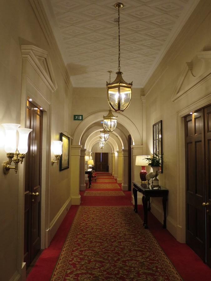 ホテル カステッロ ディ カーゾレ 廊下