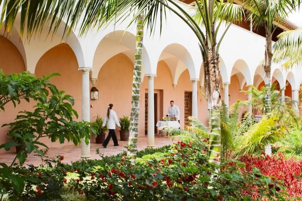 フィンカ コルテシン 中庭