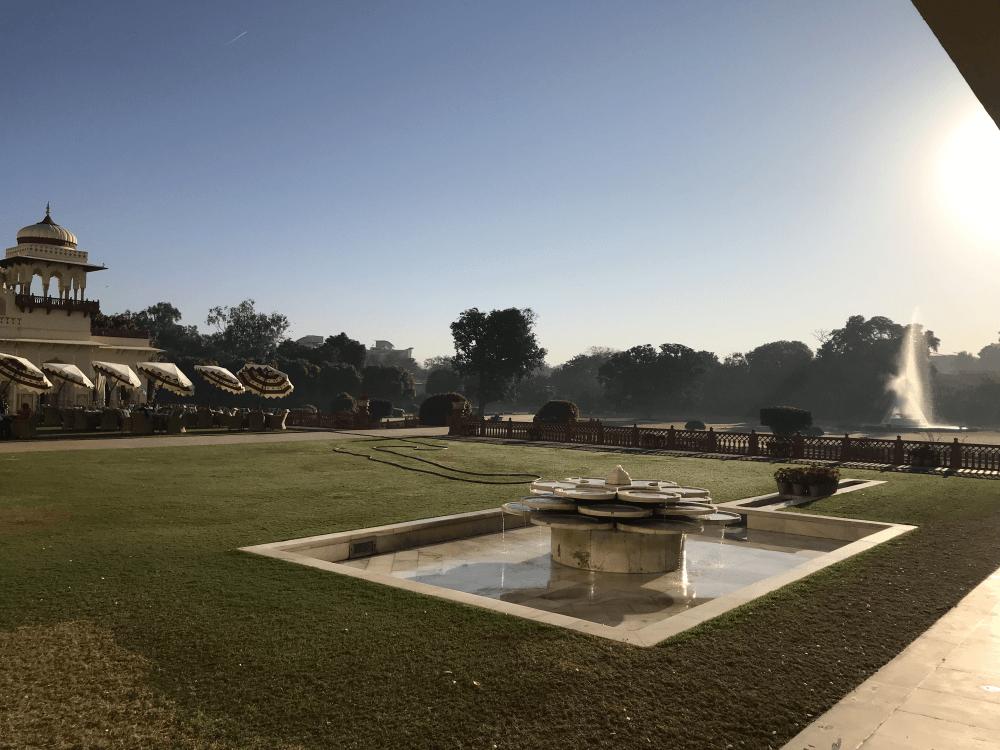 インド旅行 15宮殿ホテル 庭
