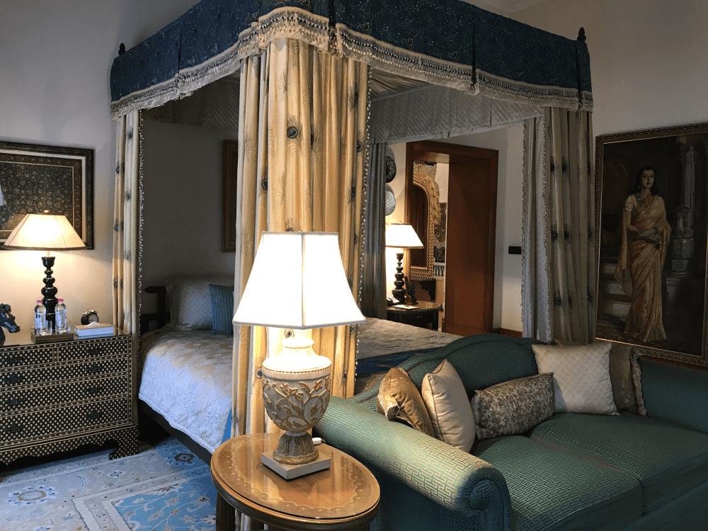 インド旅行 13宮殿ホテル ベッドルーム