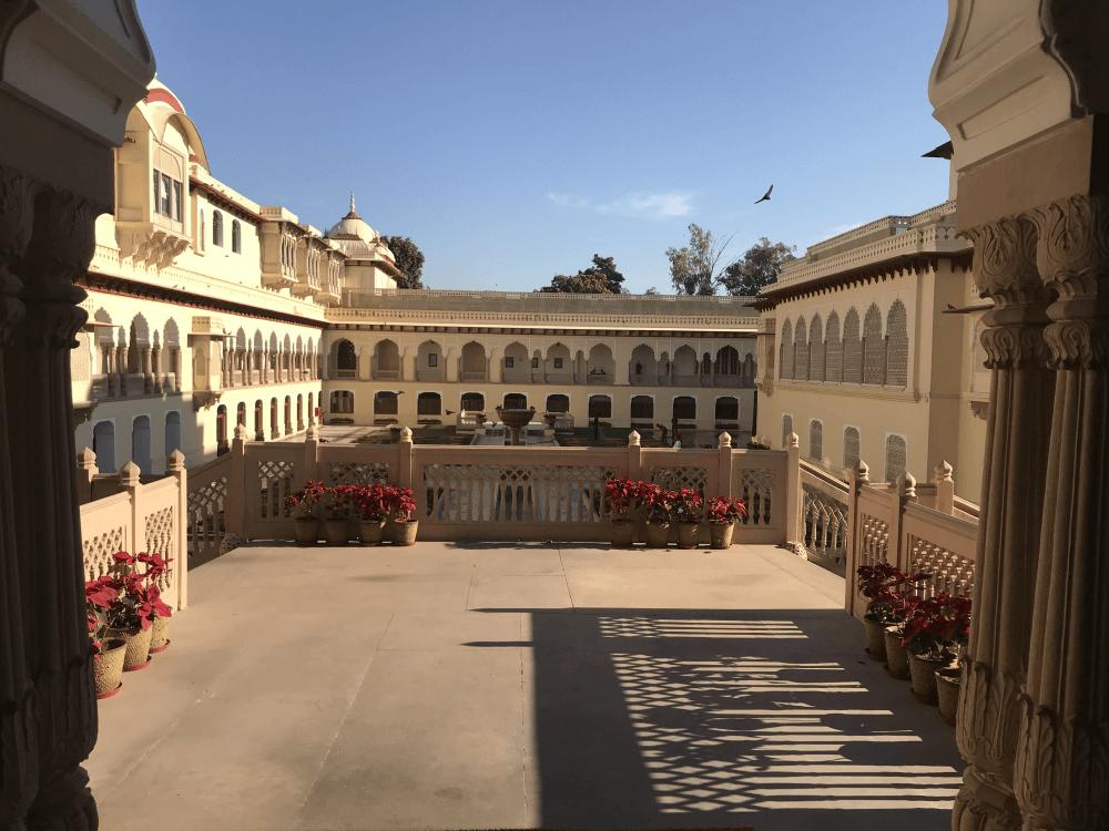 インド旅行 12宮殿ホテル中庭