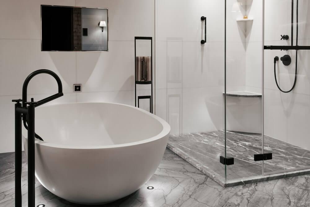 アルピナ グスタードPanorama Suite_Masterbathroom (1)