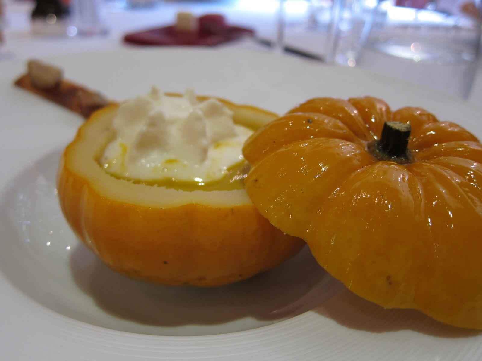 オーベルジュ デュ ヴユー ピュイ かぼちゃのスープ