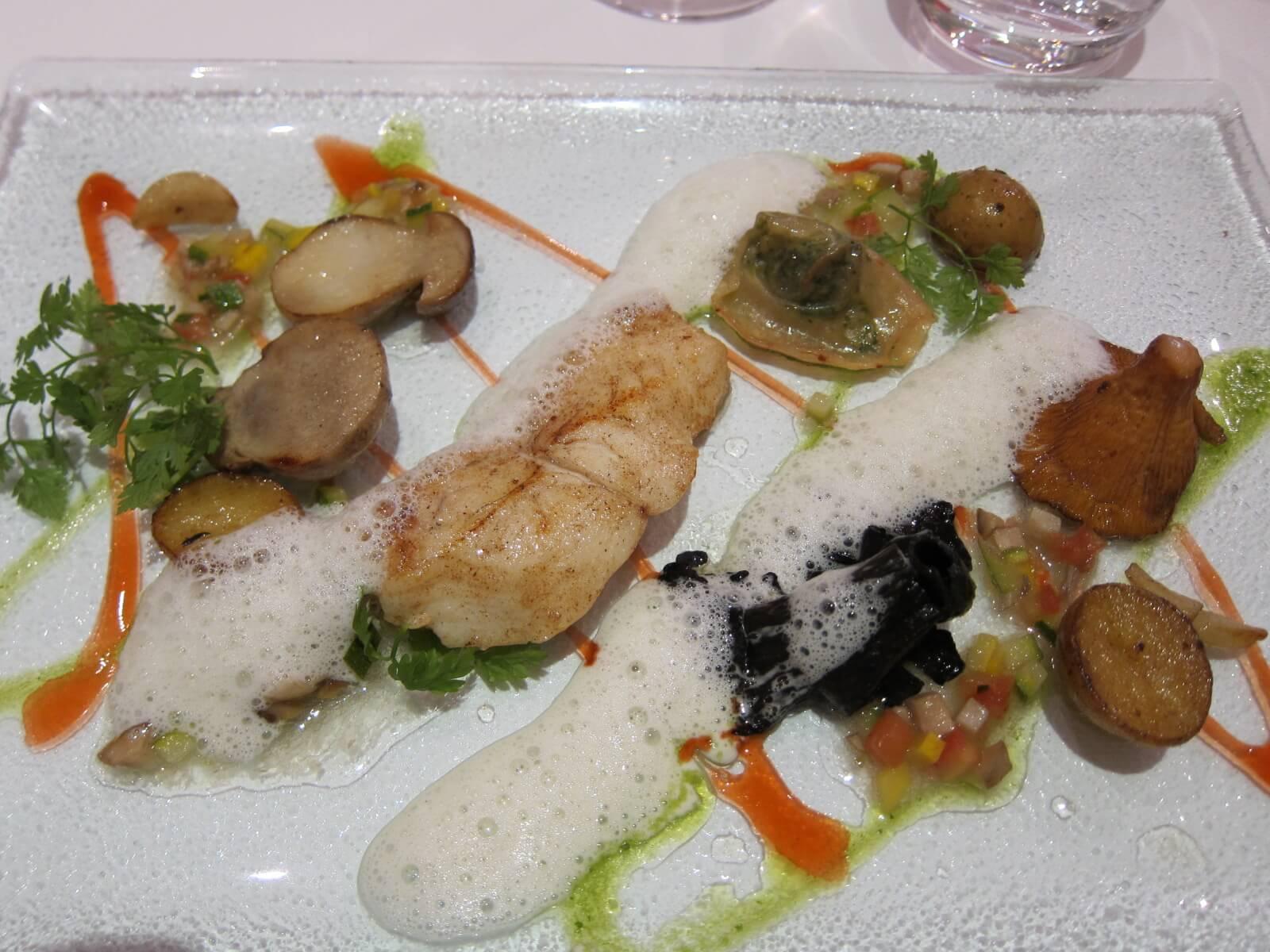 オーベルジュ デュ ヴユー ピュイ メイン 魚