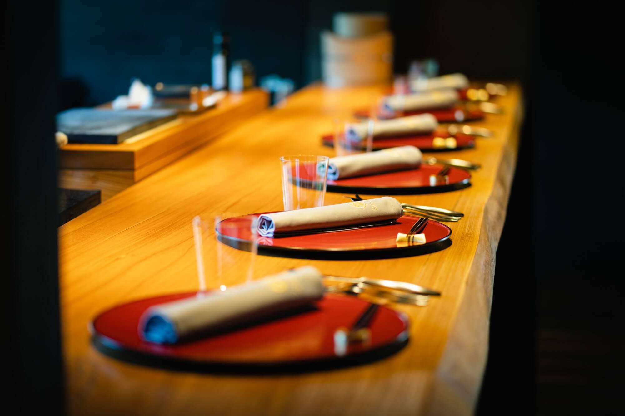 ゼナギ ホテル 食事テーブル