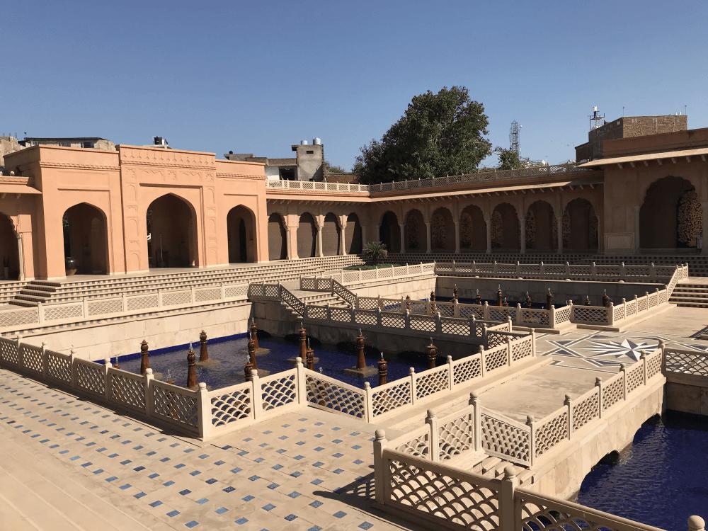 インド旅行 3オベロイ中庭
