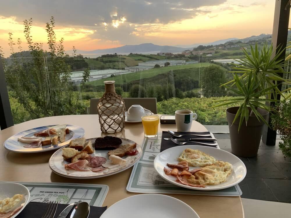 バスク 旅行記 朝食