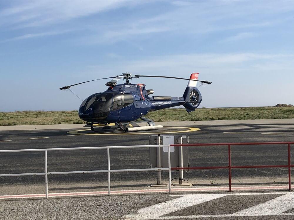 ニース 空港からチャーターヘリでホテルへ