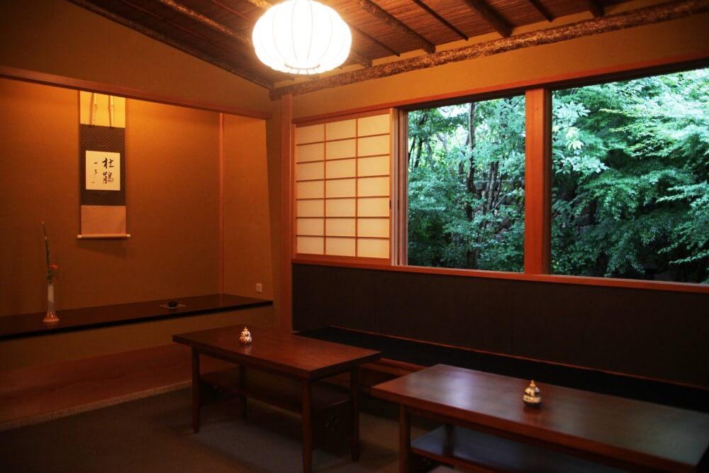大谷山荘別邸 音信 茶室:立礼席