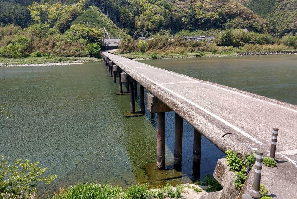 仁淀川 名越屋沈下橋