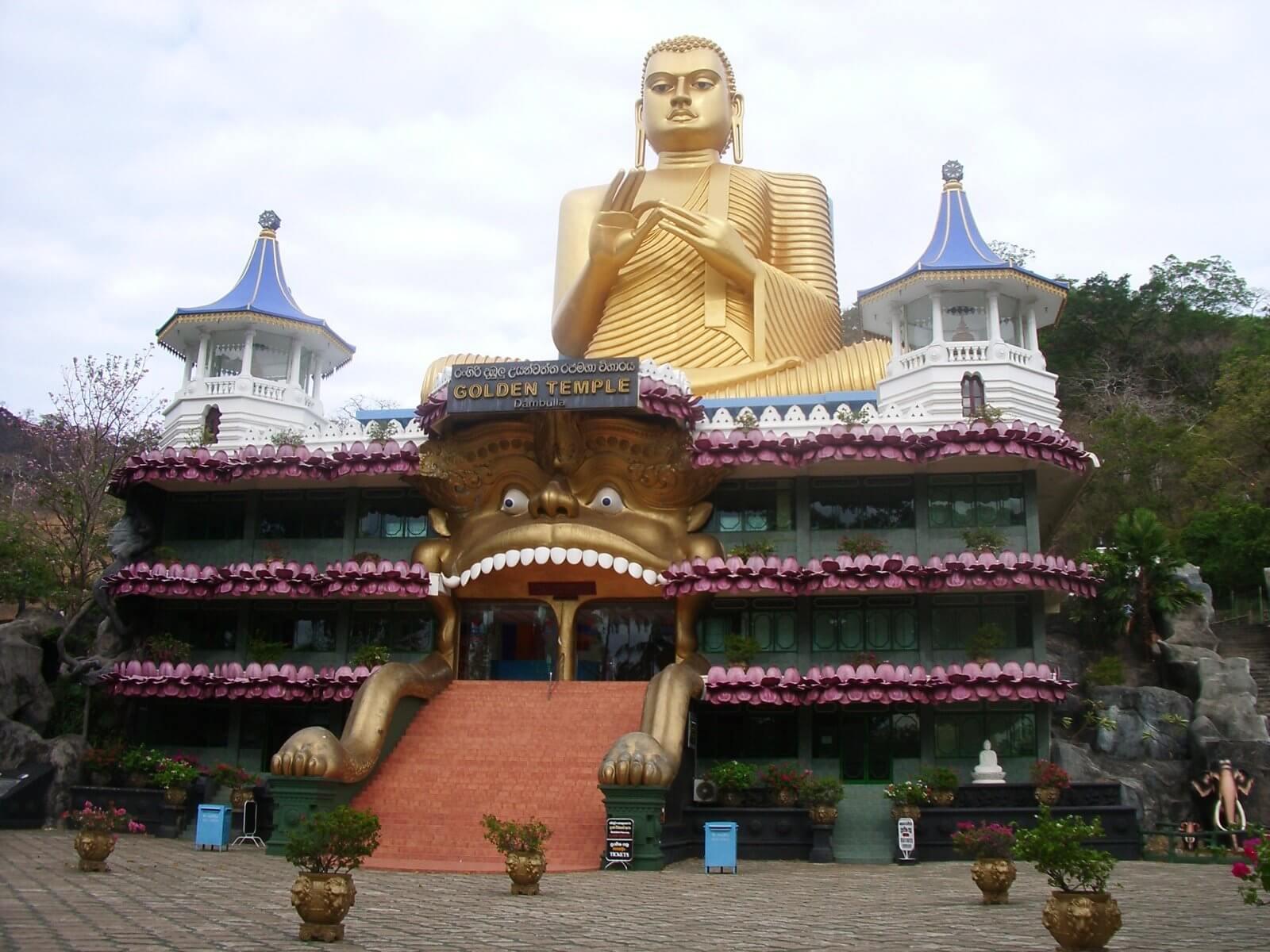 スリランカ ダンブッラ石窟寺院