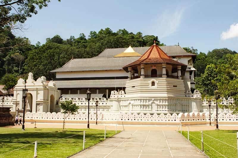 スリランカ キャンディ 仏歯寺