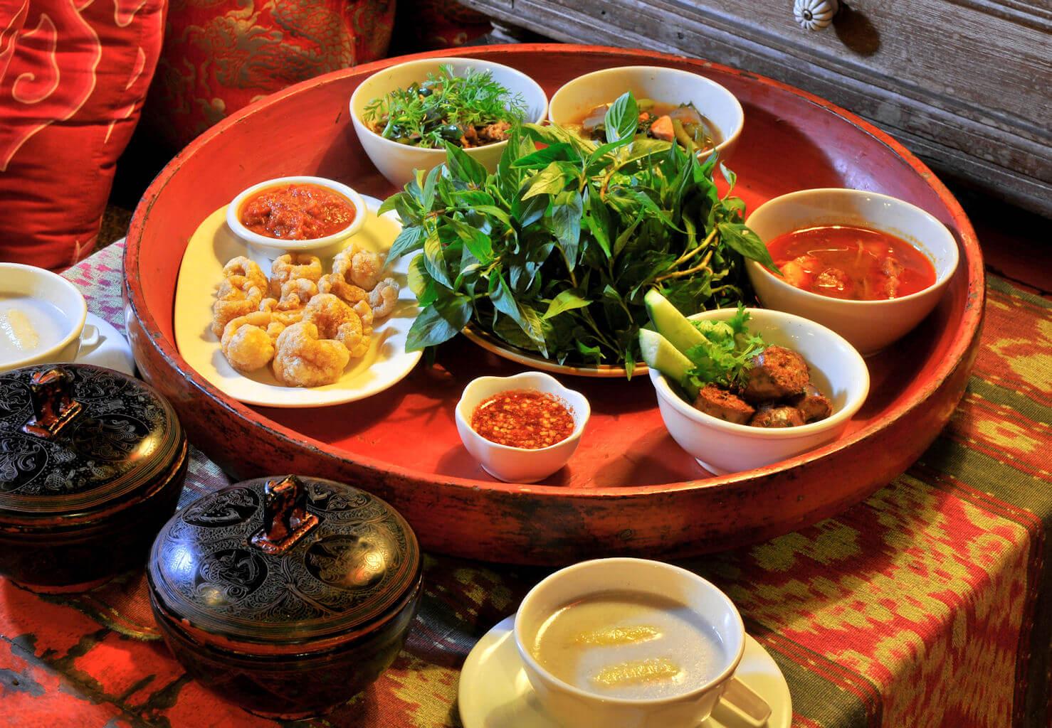 チェンマイ カントーク風タイ北部料理ファーンペン