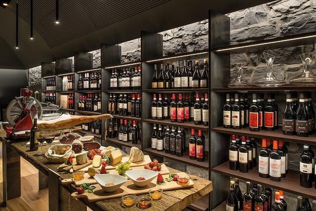 グランド ホテル トレメッツォ L'Escale Trattoria and Wine Bar